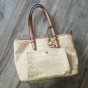Michael Kors tan purse